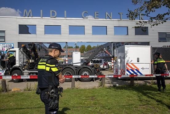 Veertig belwinkels in Midi Center Beverwijk doelwit groot onderzoek witwassen en ondergronds bankieren