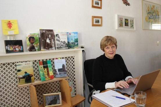 Wij werken door: Voor schrijfster Janny de Heer uit Den Helder is thuiswerken heel gewoon