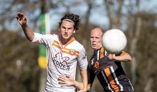 Joost van den Boogaard van Bloemendaal pakt rood en dat kost zijn team (mede) de winst op HBC: 'Daar bal ik enorm van'