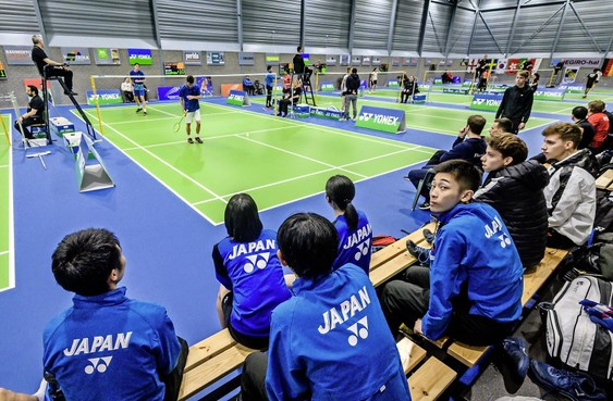 Virusangst hangt als klamme deken in Haarlemse sporthal bij internationaal toernooi