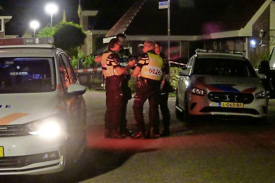 Politie op De Eenhoorn en De Eland in Oosterblokker.