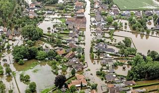 Geëvacueerde Venlonaren mogen weer naar huis, bedrag Giro 777 voor Limburg stijgt naar 4,2 miljoen euro | Volg hier de laatste ontwikkelingen over de watersnood [video]