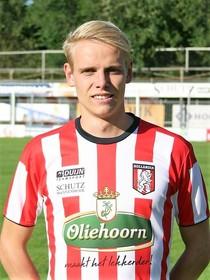 Twee operaties binnen een maand voor Hollandia-voetballer Joost Langedijk: Eerst zijn schouder, dan zijn knie