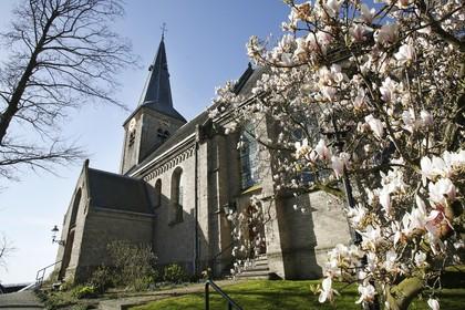 Opnames soort 'troost-tv' in kerkje Nederhorst den Berg