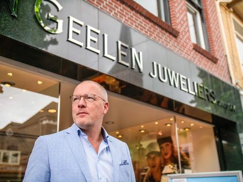 Schager juwelier René blijft in het goud, nu als enige Van Geelen van ons land