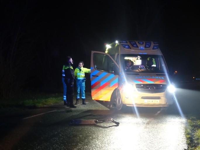 Auto botst tegen bomen in Hensbroek na vlucht voor politie, drie gewonden