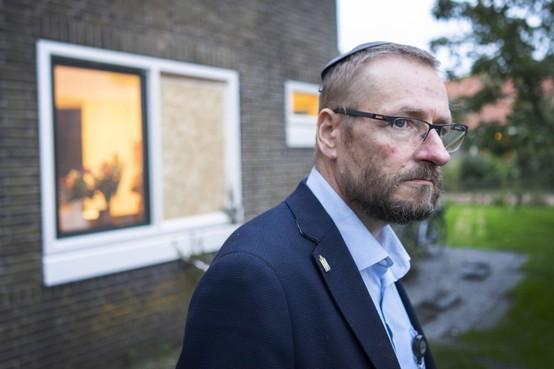 'We sturen geregeld jongelui weg', zeggen de buren van het Joodse gezin in Hippolytushoef, 'maar ja, dan hoor je twee uur later het vuurwerk knallen'