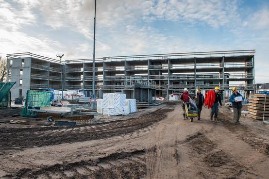 Aanleg Volendams woonzorgcomplex De Friese Vlaak vordert gestaag dankzij 'tunnelbouw'