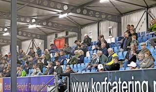 Telstar krijgt stadion vrijdag wel vol, maar er zijn ook supporters die angstig zijn en liever wachten op volgend seizoen