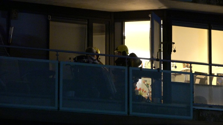 Zorgcomplex Betsy Perk in Hoorn deels ontruimd om brand, een gewonde [video]