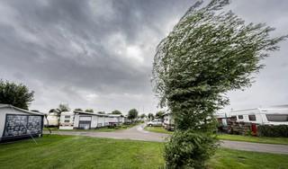 Alle hens aan dek voor campinggasten: 'storm' Evert nadert onze kust met windstoten tot 80 km/u