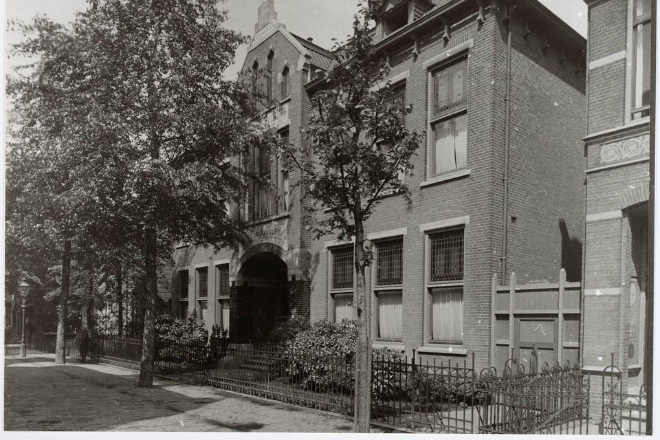 Huishoudschool Sancta Maria aan de Oostzijde in Zaandam.