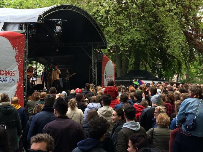Bevrijdingspop Haarlem; koud, zonnig en relaxed [update]