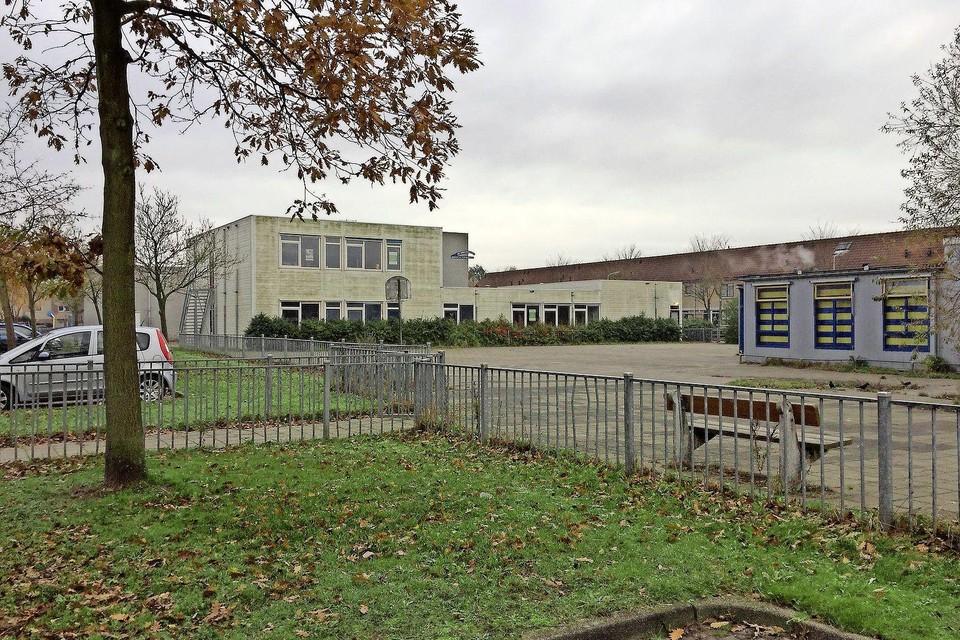 Een van de scholen die gesloopt zal worden.