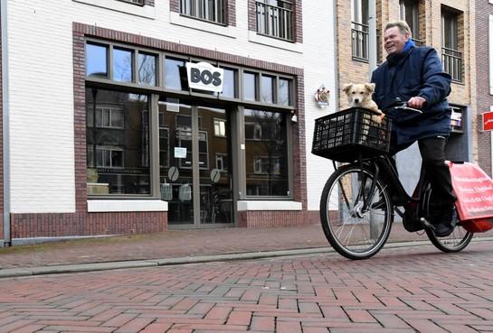 De schuld van de failliete Bakkerij Bos uit Den Helder is een half miljoen euro en de vorderingen blijven binnenkomen. Er is ook interesse voor een doorstart, 'maar nog niets concreets'