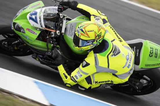 Motorcoureur Rob Hartog op tijd hersteld van gebroken arm voor race in Thailand