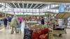 Wat vindt het winkelend publiek van de sfeer in het Makado in Schagen? 'Het moet eerst erger, wil het beter'