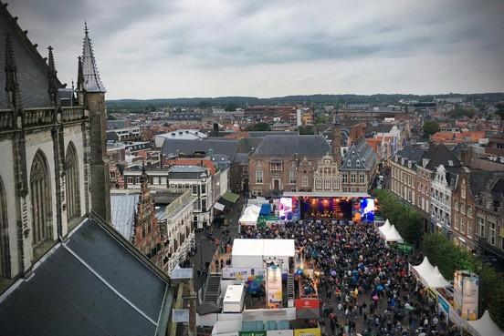 Veel jongeren bij Haarlem Jazz & More op en rond de Grote Markt