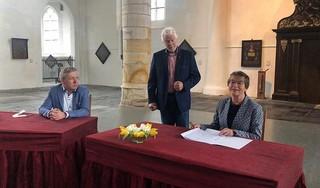 De eerste gegraveerde pijp in het nieuwe orgel van de Westerkerk in Enkhuizen is voor pasgeboren Willem Hendrik [video]