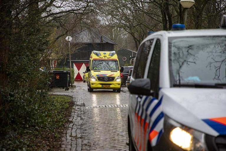 Schrik om geweld op middelbare school in Santpoort-Noord; vier verdachten aangehouden, een gewond