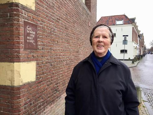 Onderweg: 'Verdriet kun je opruimen', zegt Alkmaarse Nel van Dop (82) uit eigen ervaring