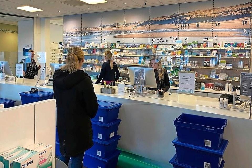 Apothekers in West-Friesland maken zich zorgen over de koers die zorgverzekeraar Zilveren Kruis inslaat.