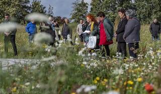 Eerste boomplantdag in gedenkbos voor overleden kinderen nabij Alkmaar is volgeboekt