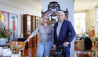 Piet Goverse (74) wil weten wanneer hij en zijn zieke vrouw, die hij thuis zelf verzorgt, eindelijk aan de beurt zijn voor een coronavaccinatie. 'Die onzekerheid maakt het voor mantelzorgers dubbel zwaar'
