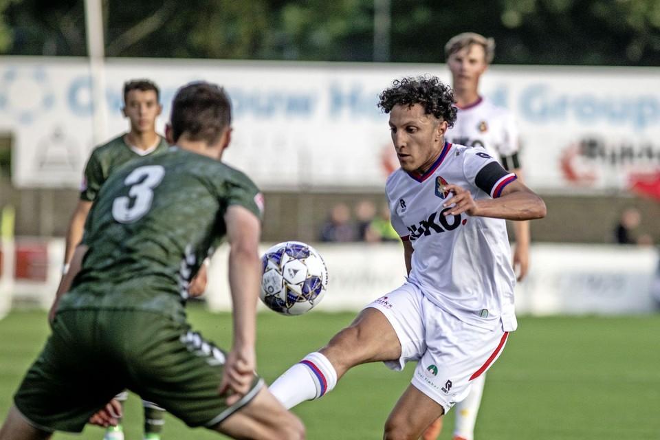 Yassine Zakir kende een zeer goed debuut en gaf de assist bij de openingstreffer van Glynor Plet.