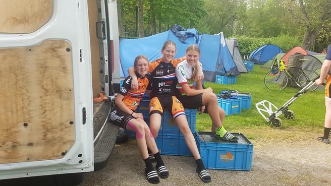 Tour de Fris: 'Door de groep ga je vanzelf mee'