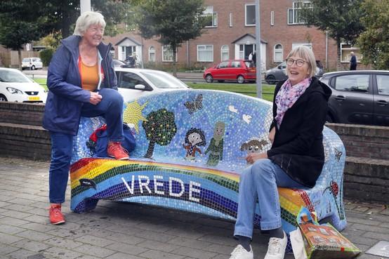'Social sofa' bij Hilversums wijkcentrum Sint Joseph wordt al volop gebruikt