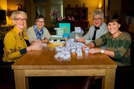 Herinneringen aan overleden kinderen koesteren tijdens Wereldlichtjesdag in Opmeer
