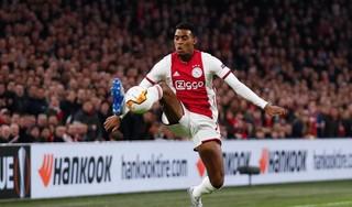 Middenvelder Ryan Gravenberch (18) blijft langer bij Ajax [video]