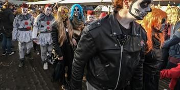 Griezelen met vreemde types en bloederige wonden op Halloweenfair West-Friesland