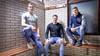 De broers Twan, Swen en Jesse Verswijveren vormen de muur van Beverwijk. 'Het is wel een droom om met z'n drieën met DEM in de tweede divisie te voetballen'