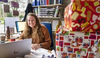 Schoolklas in IJmuiden viert Sinterklaas in quarantaine, en hoe moet het met de kerstkaartenactie voor het Ouderenfonds?