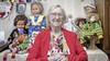 Trien Ligthart-Braakman blijft breien, ook nu ze 106 jaar geworden is. 'Mooi dat ik dit nog beleven mag'