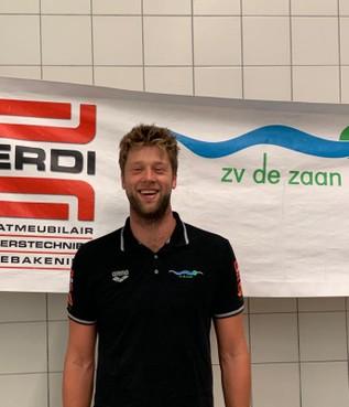 International Thomas Lucas maakt waterpoloselectie De Zaan compleet
