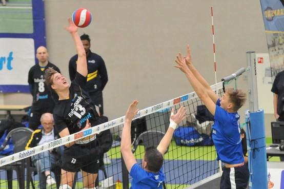Mees Blom kán domweg niet zonder het plezier en genoegen dat volleybal hem ook in eredivisie biedt