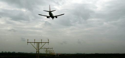 Vliegtuig maakt voorzorgslanding op Schiphol om brandlucht aan boord
