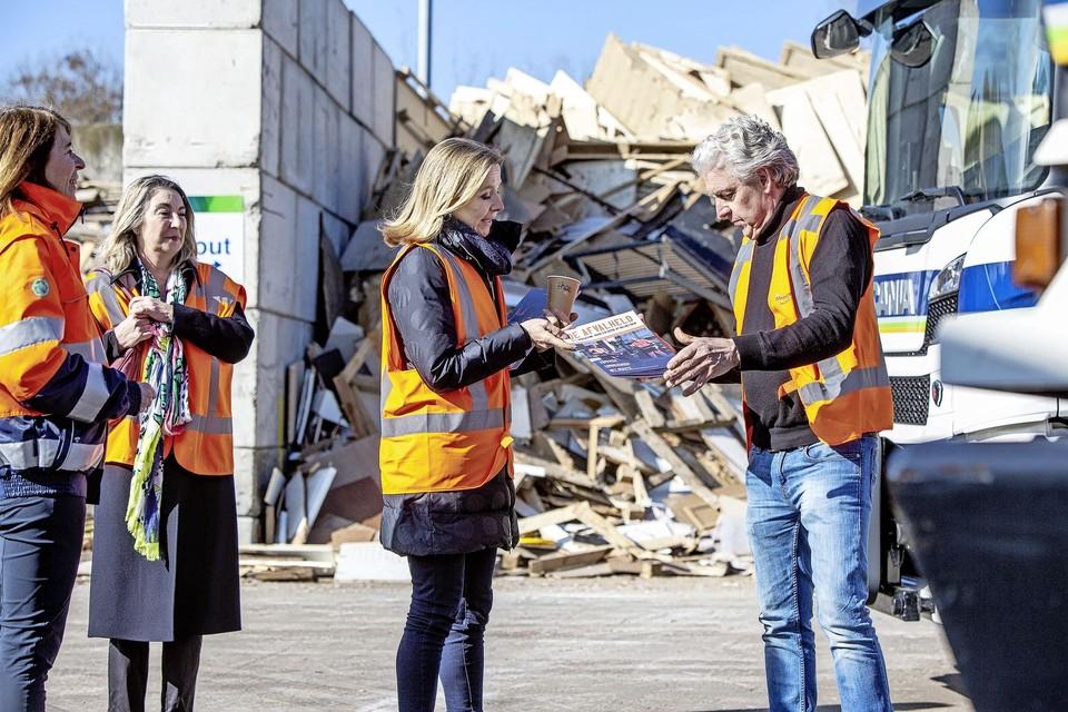 Meerlanden-directeur Angeline Kierkels, afvalwethouder Mariëtte Sedee, staatssecretaris Stientje van Veldhoven en Herke Eichelberg.