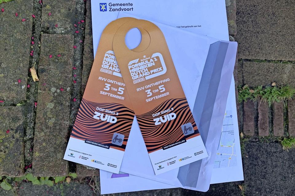 In het Ramplaankwartier kregen bewoners maandagochtend een doorlaatbewijs voor 'Ring 3 Zuid', in Aerdenhout voor 'Ring 3 Noord'.