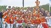 Hockeyers Bloemendaal verslaan Kampong ook in tweede finaleduel, weer na 'shoot outs'. Alle prijzen gepakt, missie geslaagd [video]