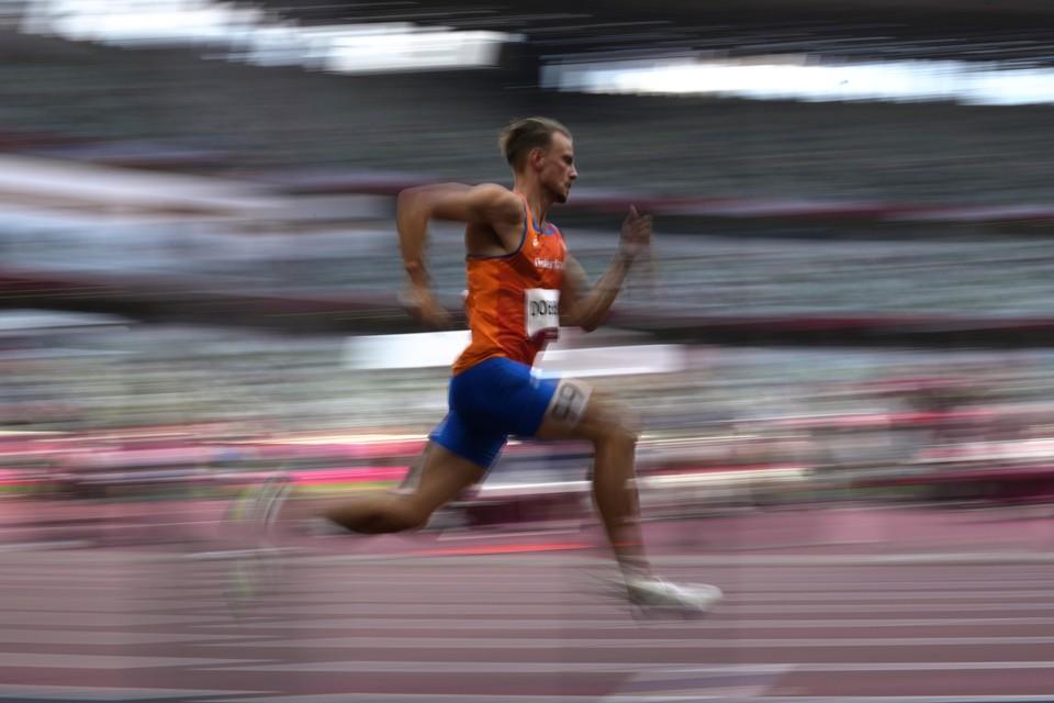 Jochem Dobber op de 400 meter op Olympische Spelen.