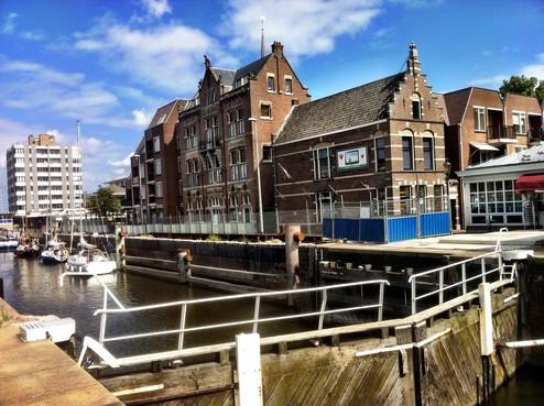 Werk aan Wilhelminasluis Zaandam wordt na vier jaar hervat