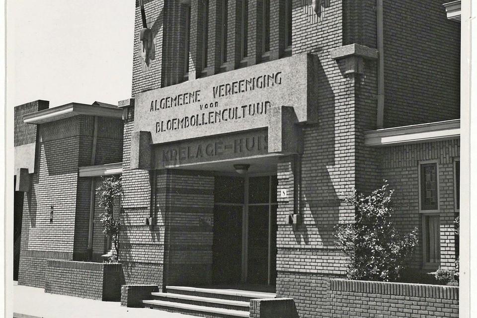 Het Krelagehuis aan de Leidsevaart in 1940 waar in Haarlem de bollenbeurs werd gehouden.