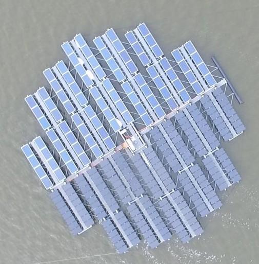 Waterbedrijf plaatst duizenden dobberende zonnepanelen in het IJsselmeer [video]