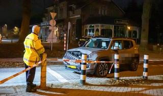 Auto botst met trein in Baarn, automobiliste aangehouden