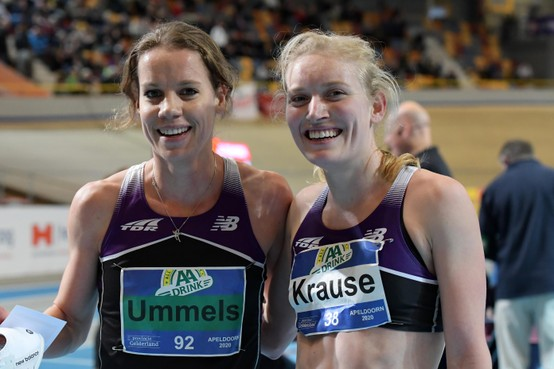 Hardlopende tandarts Lotte Krause beseft na twee medailles op het NK indoor dat de rek in haar prestaties er nog niet uit is: 'Over twee jaar hoop ik bij EK te zijn'