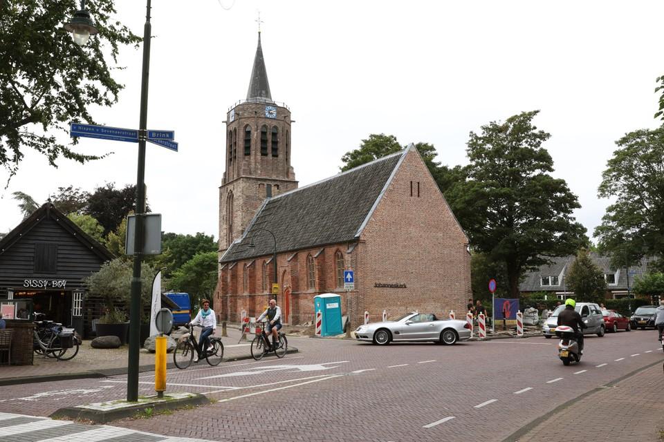 De gerenoveerde Johanneskerk, het oudste rijksmonument van Laren, begint na vijfhonderd jaar aan een nieuwe toekomst.